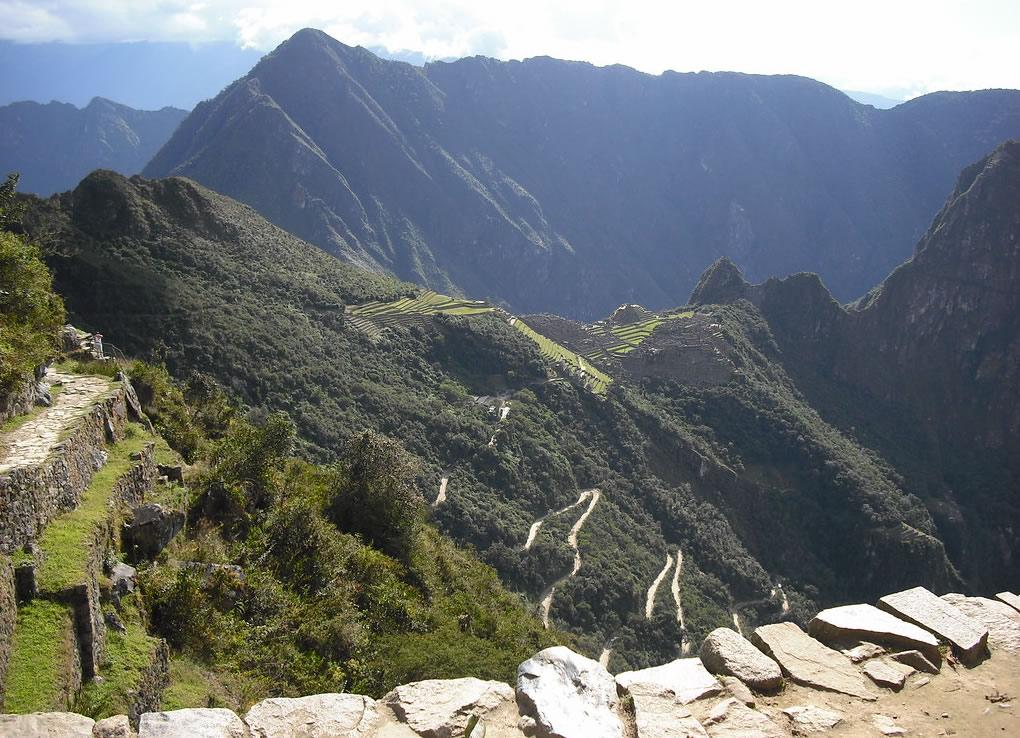 Estrada-Hiram-Bingham-machu-picchu